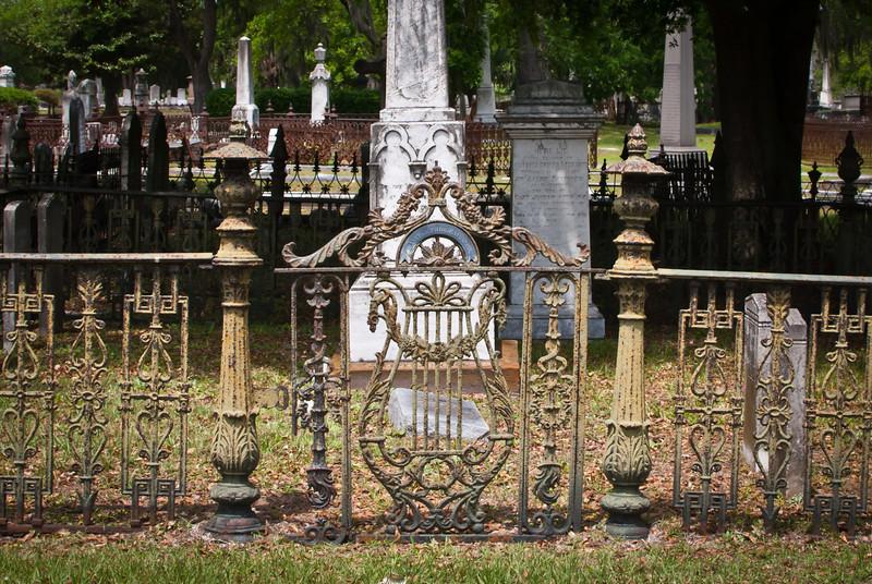 Charleston 201304 Magnolia Cemetery (7).jpg