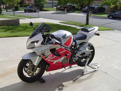 '03 Honda CBR600F4i