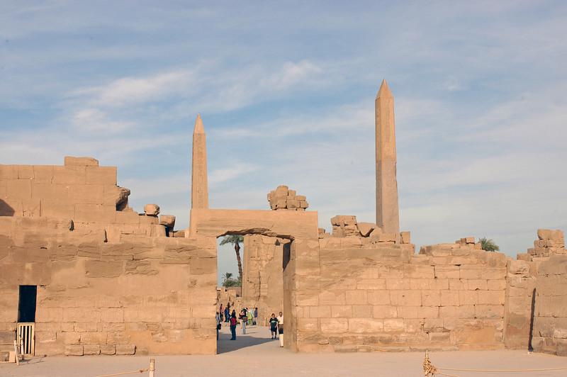 Karnak Temple 01.08.06 0018.jpg