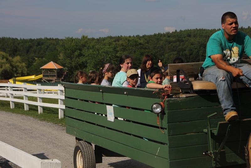 kars4kids_thezone_camp_girlsDivsion_activities_Horse&Buggy (11).JPG