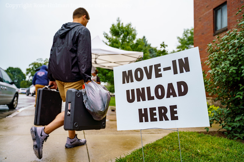 RHIT_Freshman_Move_In_2018-9289.jpg