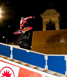Snowboard Flight 6272, The Downtown Showdown