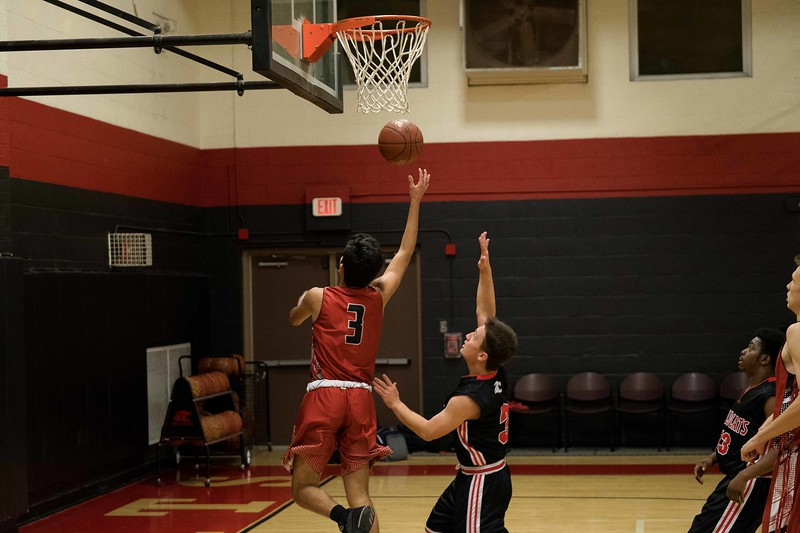 kwhipple_WWS_vs_Siena_basketball_20171206_064.jpg
