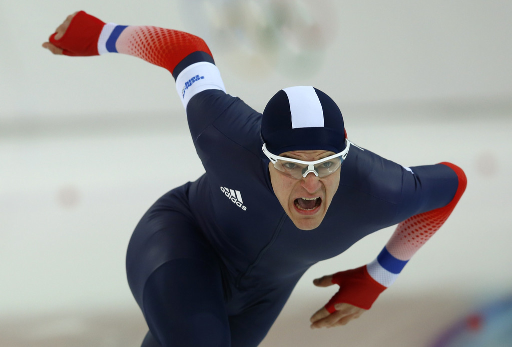 . France\'s Ewen Fernandez competes in the Men\'s Speed Skating 1500 m at the Adler Arena during the Sochi Winter Olympics on February 15, 2014. ADRIAN DENNIS/AFP/Getty Images