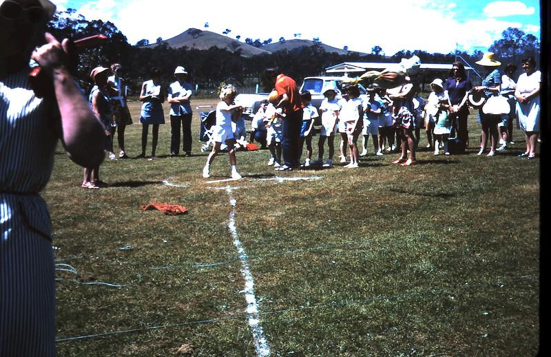 1971-11-5 (14) Yea sports.JPG