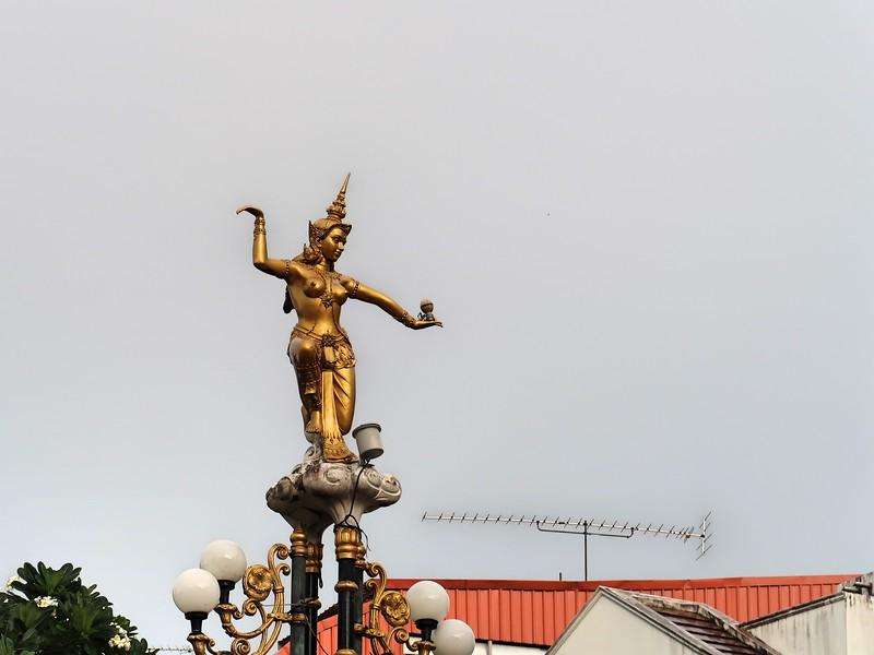 IMG_4214-thai-dancing-statue.jpg