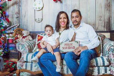 22. Radellys Sánchez y Familia navidad 2019
