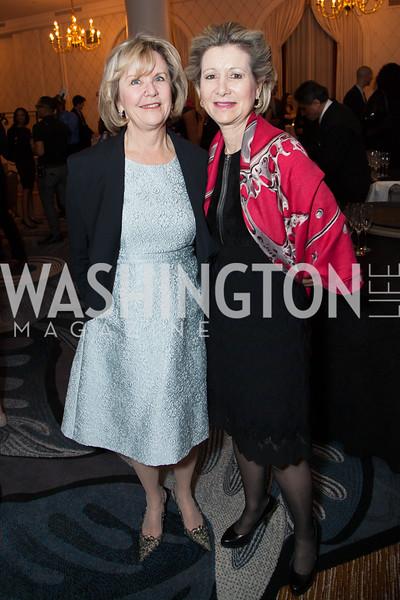 Connie Carter, Christie Weiss