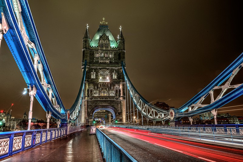 Tower Bridge blur.jpg