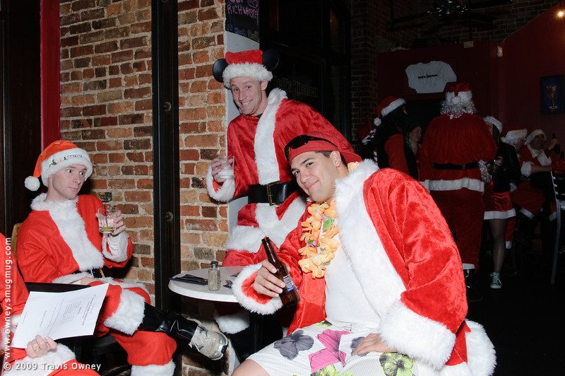 2009 ALS Santa Crawl-27.jpg