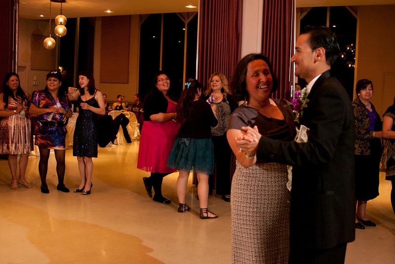 2011-11-11-Servante-Wedding-547.JPG