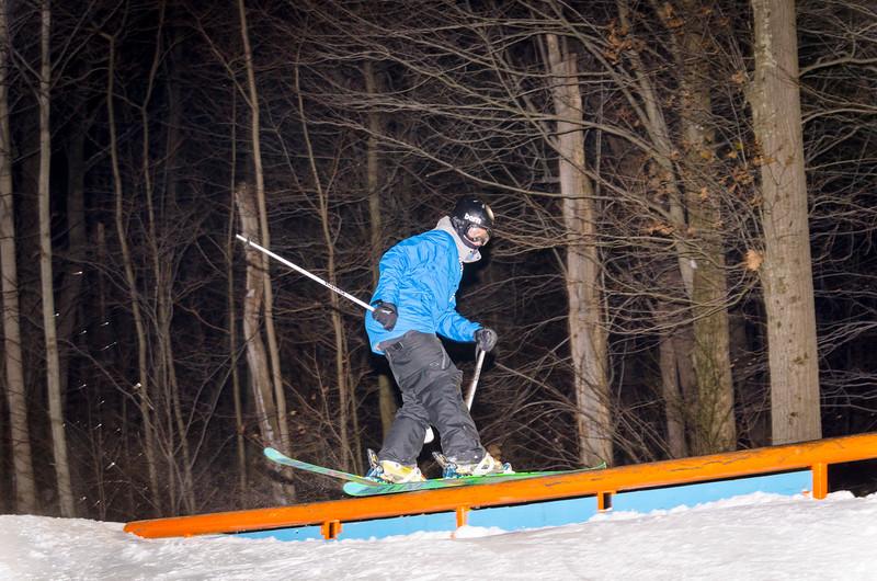 Nighttime-Rail-Jam_Snow-Trails-10.jpg