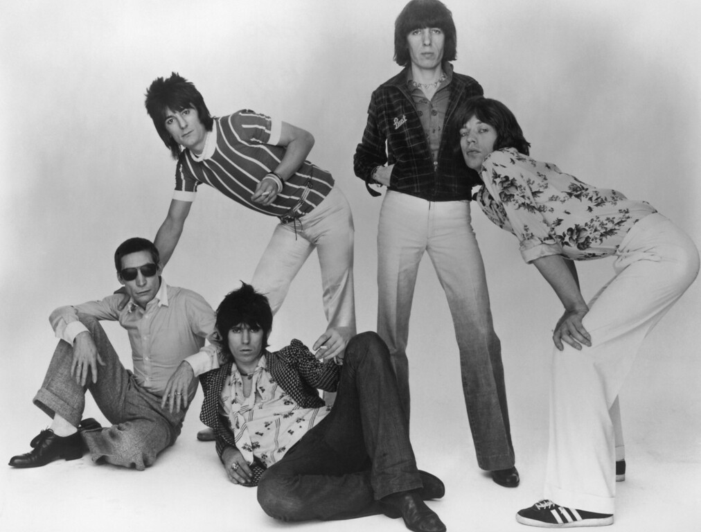 . The Rolling Stones, 1977. Left to right: Charlie Watts, Ron Wood, Keith Richards, Bill Wyman and Mick Jagger. (Photo by Hulton Archive/Getty Images)