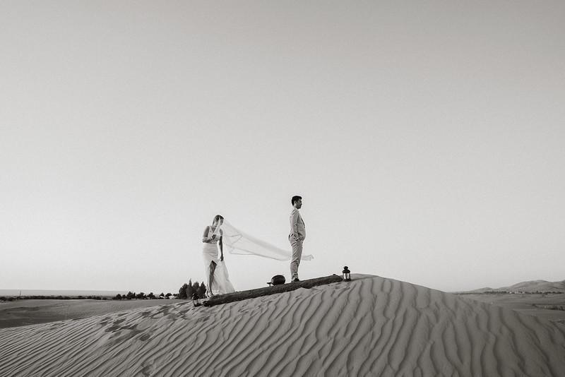 Tu-Nguyen-Destination-Wedding-Photographer-Morocco-Videographer-Sahara-Elopement-463.jpg