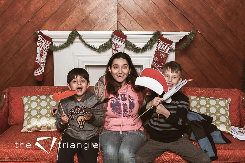 awkward-family-photo-booth-034.jpg
