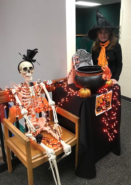 2018_10_31_Halloween - 20.jpg