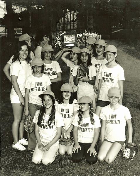 Union Suffragettes 1975.jpg