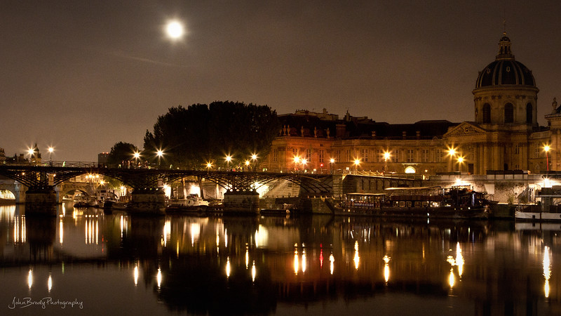 Moonrise over Pont des Arts and the Left Bank of Paris - JohnBrody.com / John Brody Photography