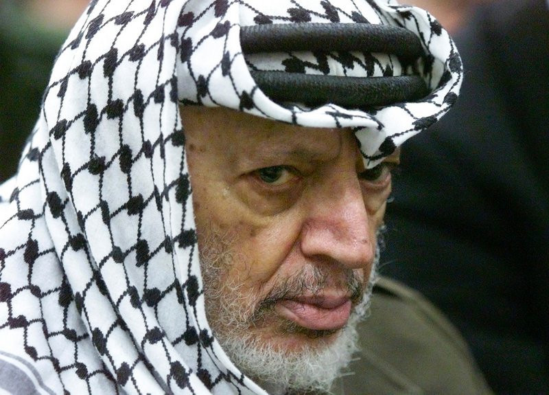 """. <p>4. YASSER ARAFAT <p>We�re guessing it was Colonel Mustard in the Billiard Room with the polonium. (unranked) <p><b><a href=\'http://www.twincities.com/breakingnews/ci_24456442/palestinians-receive-yasser-arafat-test-results?source=rss\' target=\""""_blank\""""> HUH?</a></b> <p>   (AP Photo/Lefteris Pitarakis, File)"""