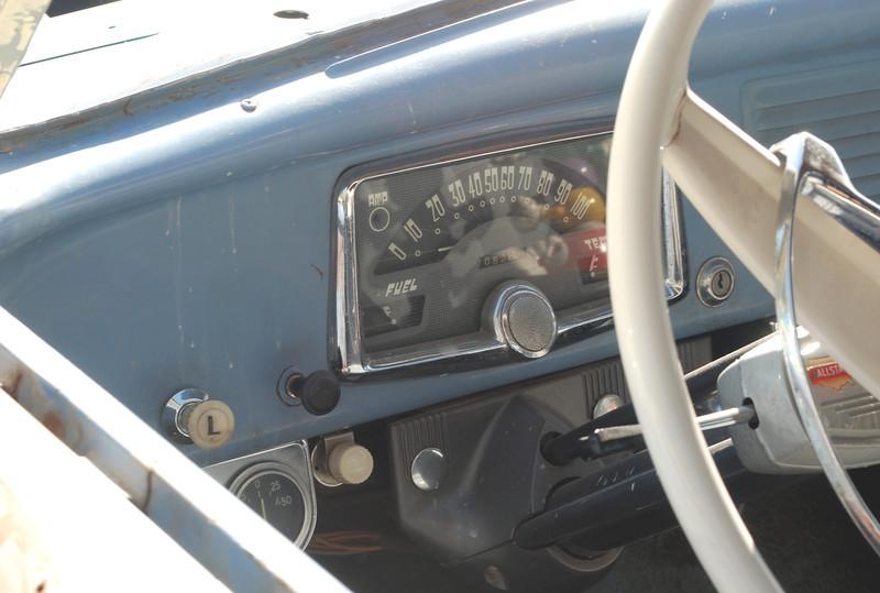Allstate 1953 interior dash rt.JPG
