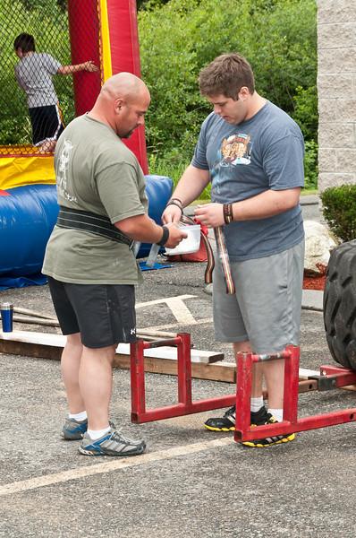 Fitness Revolution Strongman Challenge 2011_ERF3803.jpg