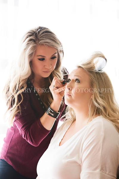 Hillary_Ferguson_Photography_Melinda+Derek_Getting_Ready110.jpg