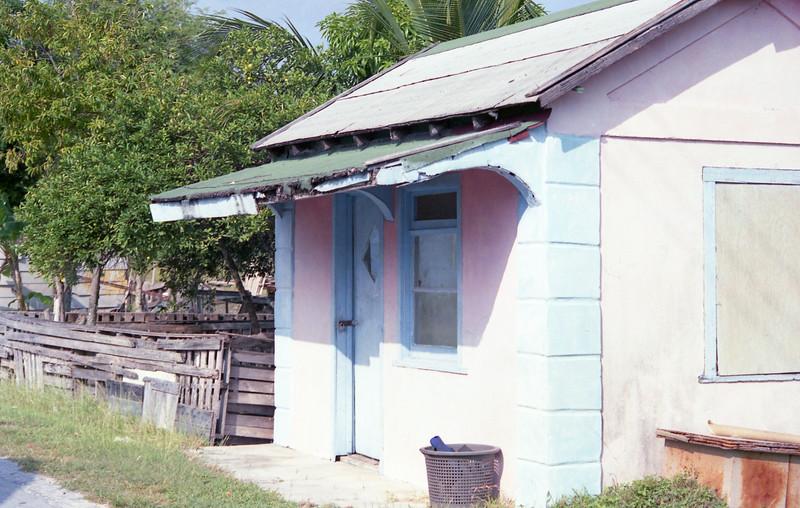 1990-12 1-08A Bahamas206.jpg