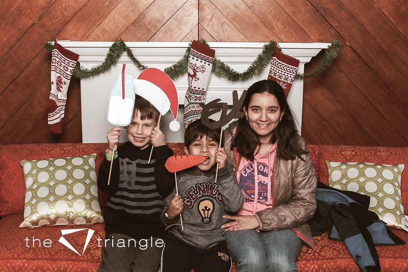 awkward-family-photo-booth-033.jpg