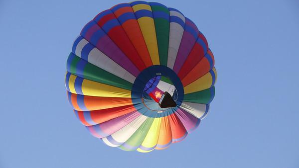 2007, 08-12 Balloons Sunday Morning