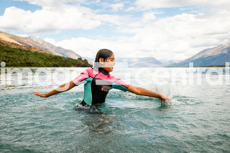 Avie Morgan. Lake Wakatipu © Copyright image by Clare Toia-Bailey / www.image-central.co.nz