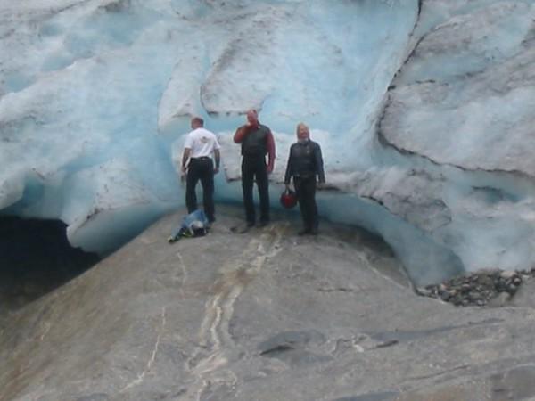 IMG_0275 glacier surrey eagle.JPG