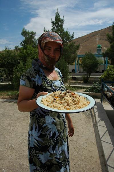Woman with Plov (Rice Dish) - Paraw Bibi, Turkmenistan