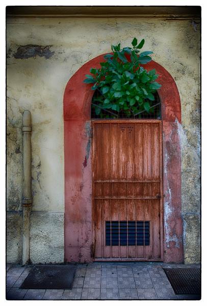 rusty door.jpg