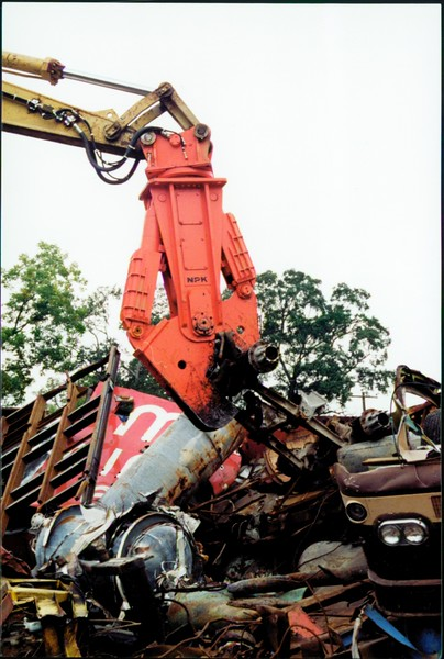 NPK M38K demolition shear on Cat excavator-C&D recycling (18).JPG