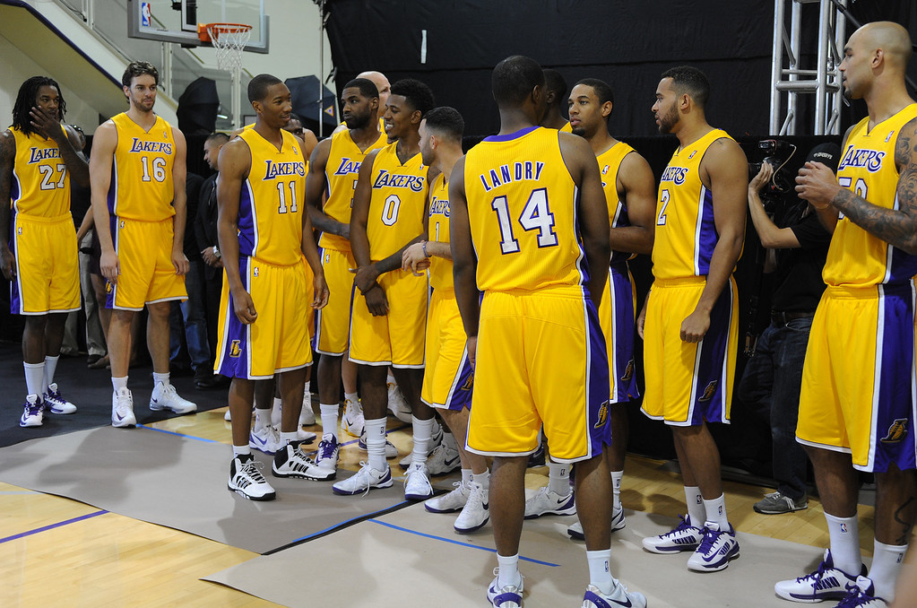 . Lakers enter the practice court for media day.The Los Angeles Lakers held a media day at their El Segundo practice facility. Players were photographed for team materials, and interviewed by the press. El Segundo, CA. 9/27/2013. photo by (John McCoy/Los An8eles Daily News)