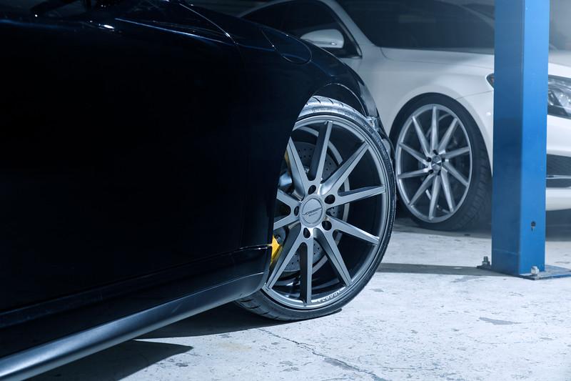 PorscheGT2VossenWheel2.jpg