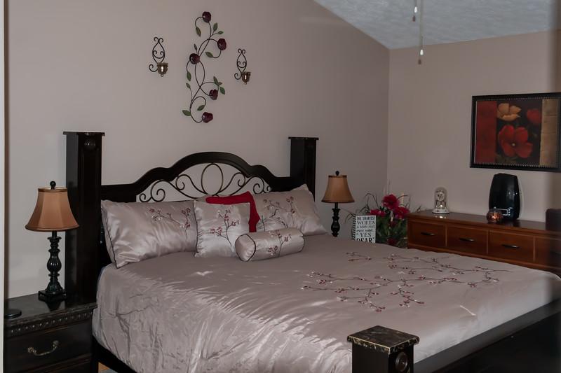 bedroom 2 (4).jpg