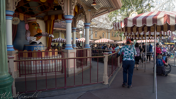 Disneyland Resort, Disney California Adventure, Paradise Pier, Paradise, Pier, Toy Story Midway Mania, Toy Story, Toy, Story, Midway, Mania, Queue, Line
