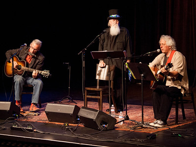 Peter Wilson, Moe Dixon & Mountain John – Troubadour Camp Live, April 21, 2012