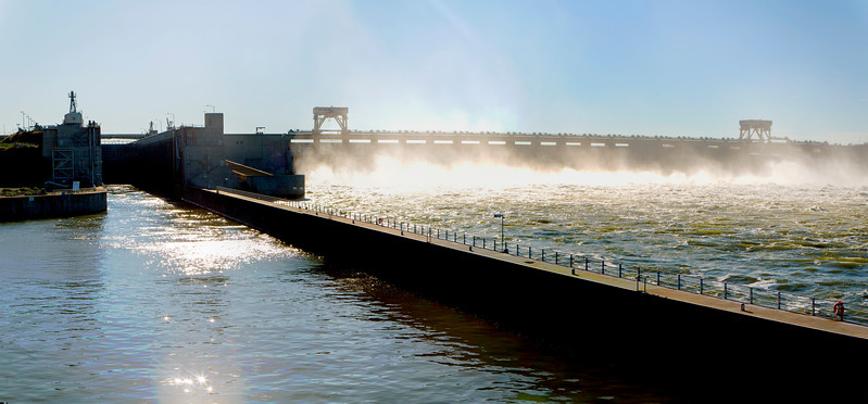 Entering the McNary Dam lock