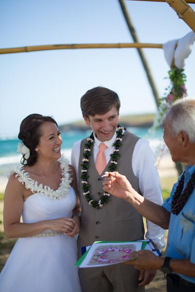 gillin beach kauai wedding-128.jpg
