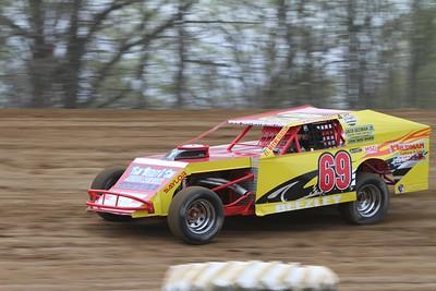 Butler Speedway, Quincy, MI, May 7, 2011