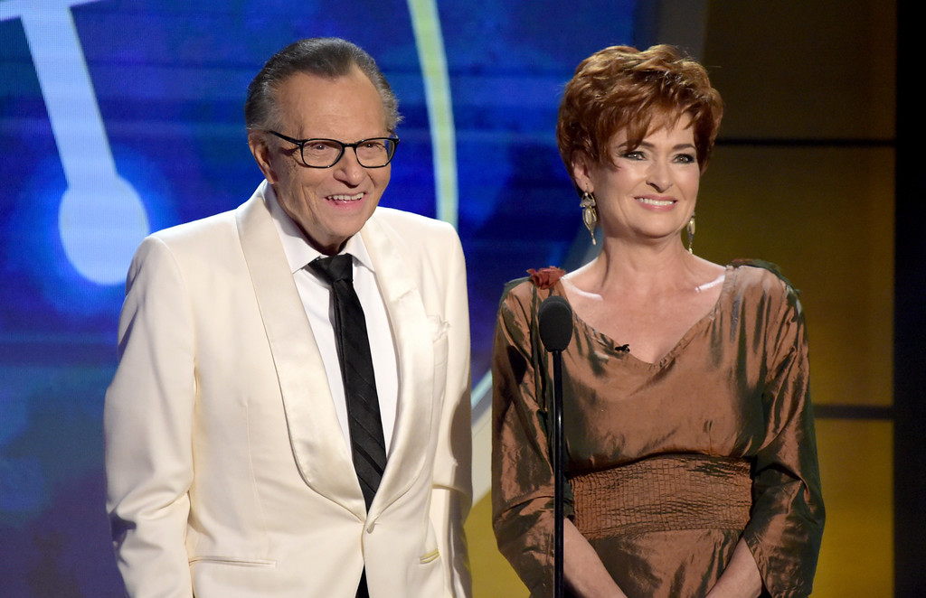 . Larry King, left, and Carolyn Hennesy present the award for outstanding drama series writing team at the 45th annual Daytime Emmy Awards at the Pasadena Civic Center on Sunday, April 29, 2018, in Pasadena, Calif. (Photo by Richard Shotwell/Invision/AP)