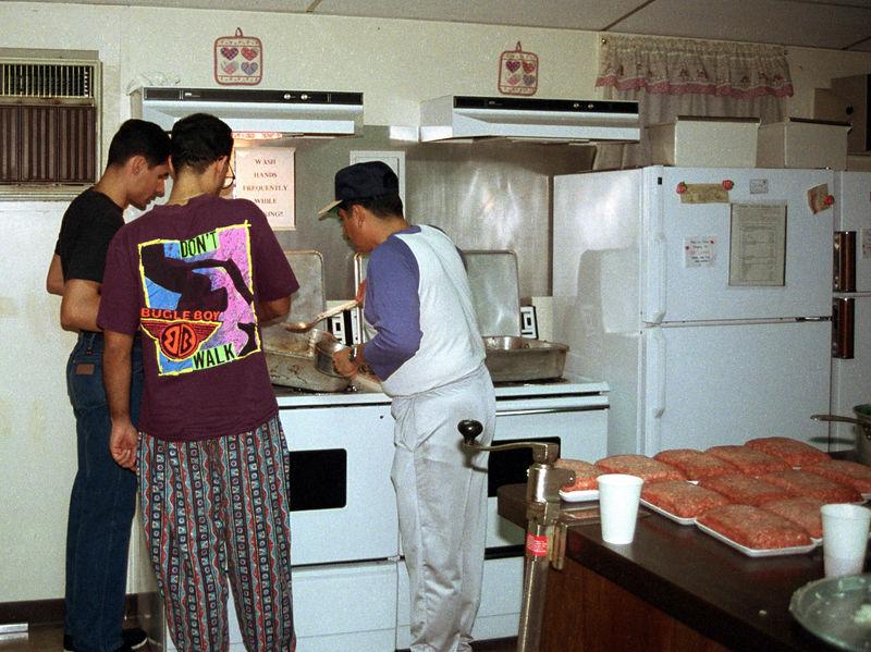 1992 09 20 - Supper at the Sunlight Inn 14.jpg