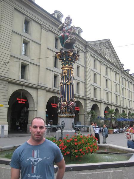 kevin_ogre_statue.jpg