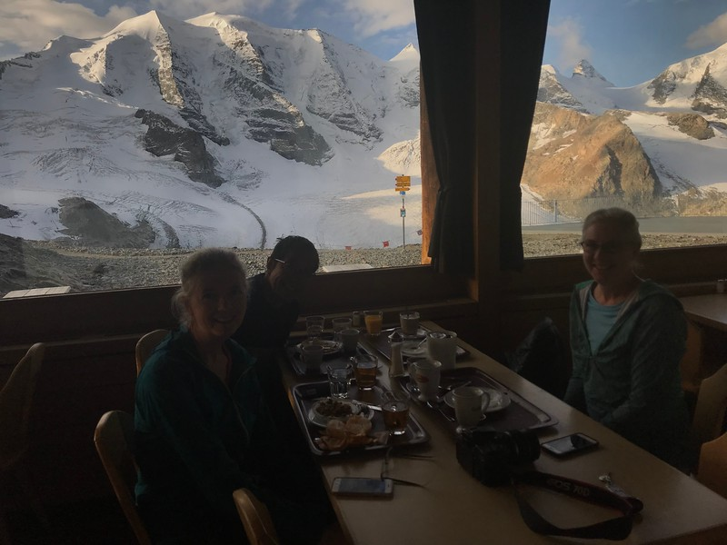 Breakfast with a view of Piz Palu