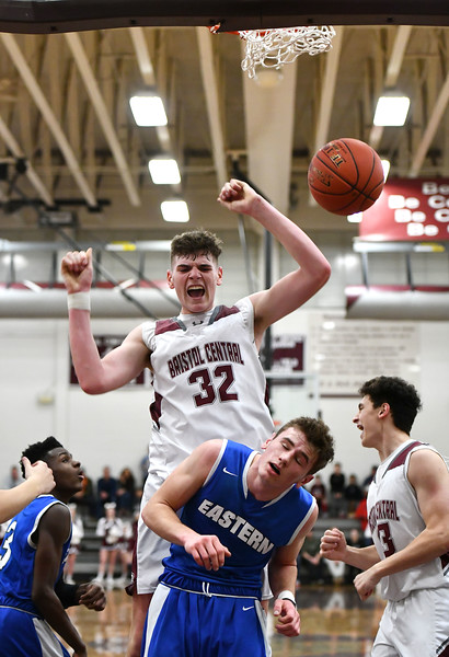 1/24/2020 Mike Orazzi | Staff Bristol Central High School's Donovan Clingan (32) during Friday night's boys basketball game at Central.
