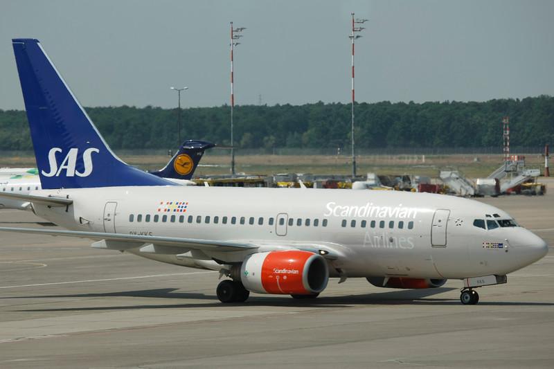OY-KKS-Boeing737-683-SAS-TXL-EDDT-2008-05-31-_20B5202-DanishAviationPhoto.jpg
