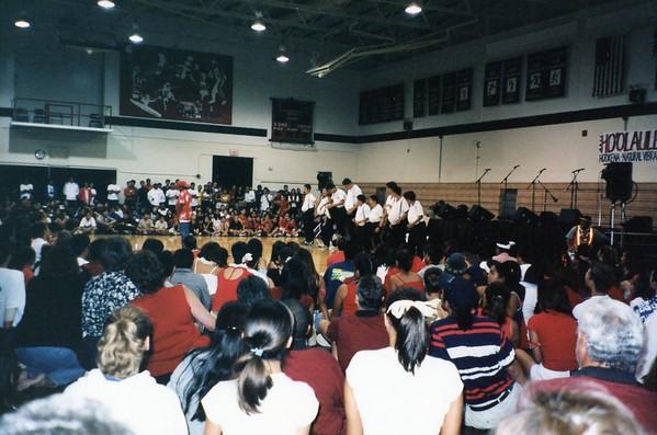 2001 - 11 - 09 - Iolani Performance
