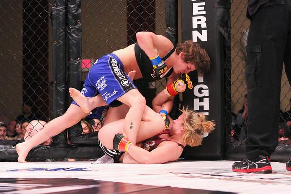 Amanda Cooper vs Brittany Dugas